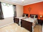 Second Floor Twin Bedroom w/En-Suite Bathroom & Flat Screen TV