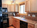 Rio Vista Log Cabin Retreat  - Fully equipped kitchen