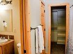 Rio Vista Log Cabin Retreat  - Bathroom and closet
