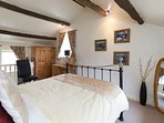 The quiet location, good size, quality bedding, king size beds ensures a good nights sleep for all!