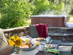 Outdoor Dining and Hot Tub