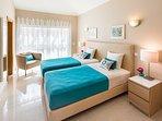 Double Single Bedroom on Suite