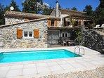 Au Vallon des Etoiles. La Bergerie des Etoiles : gite avec piscine privée et Spa en Ardèche du Sud