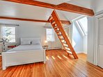 QUEEN SIZE BEDROOM ON SECOND LEVEL WITH PRIVATE FULL BATH