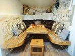Au Vallon des Etoiles: espace repas : convivialité et authenticité