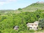 Vue d'ensemble: le Vallon des Etoiles : gites de charme en Ardèche du Sud