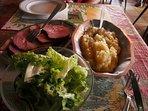 Spécialité locale : Le repas marcaire