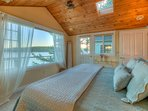 Mariner's Bedroom: see stars from skylight