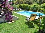 Jardín piscina