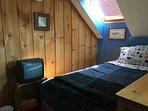 3rd floor sleeping loft: twin