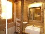 salle de bain avec douche italienne rez de jardin