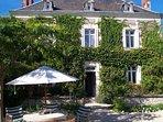 Charmante Maison de maître met verwarmd zwembad voor 6 gasten, grote tuin.