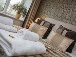 Luxury interior - master with ensuite full bathroom