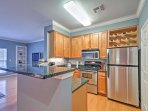 Prepare your tasty meals in the fully equipped kitchen.