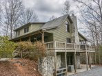 MY MOUNTAIN ESCAPE- 3BR/3BA- PRIVATE CABIN ON 2.5 ACRES SLEEPS 12, WIFI, JETTED TUB, GAMEROOM WITH POOL & FOOSBALL TABLES, PRIVATE HOT TUB, GAS LOG FIREPLACE, SCREENED PORCH WITH ROCKERS, PICNIC TABLE AND GAS GRILL! STARTING AT $150 A NIGHT!