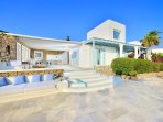 Aegean View  Newly Renovated -4- Bedroom  Luxury villa. Proximity to 5 beaches