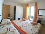 apartment 5, room