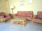 ZNUBER holiday house sitting area
