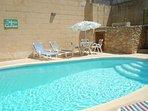 ZNUBER holiday house pool area