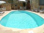 ZNUBER holiday house pool measuring 7 meters by 4 meters