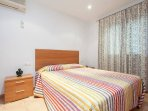 Double room with en suite bathroom and air conditioning