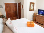 The bed in the lower bedroom can be configured as a king (with king converter) or two twins