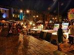 Le marché nocturne sur le port