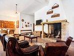 Main comun Lounge Bar