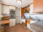 Cook: Fully equipped kitchen