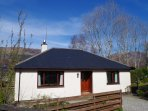 Strathassynt Cottage perfectly located in historica Ballachulish, just a mile from Glencoe