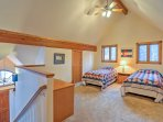 The loft with 2 twin beds can accommodate 2 extra guests.