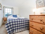 Double bedroom with 4ft double bed