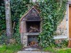 Barbacoa del jardín de la casa rural Casa Salva