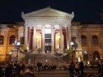 Teatro Massimo a pochi passi dalla casa