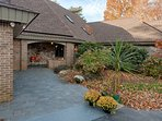 Catch up on some R&R with this marvelous Mooresville vacation rental lake house.
