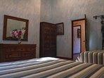 Queen/Full bedroom