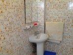 Salle de bain privée avec toilette Maison Azur Tafraout