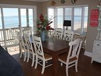 Dining with Oceanviews-Middle Level