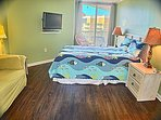 Bedrm 1 w/queen bed, private bath, balcony access
