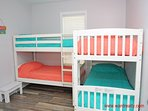 1st Floor Middle Bedroom - 2 Bunkbeds