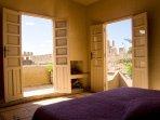 Suite avec salle de bain , cheminée et terrasse