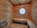 A sauna and separate hammam are located off of the state of the art gym