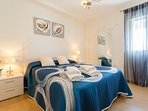 Precioso Dormitorio con cama de matrimonio