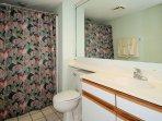Sands 1127/1128 Bathroom 2