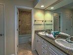 King Master Suite Full Bathroom