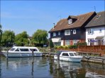 Norfolk Broads 20 minutes away