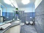 bathroom featuring power shower