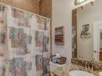 Mermaid Room full bath