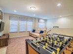 Curtain,Window,Window Shade,Indoors,Living Room