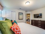 Bed,Bedroom,Furniture,Entertainment Center,Home Theater